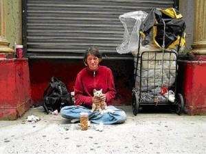 homeless_women_with_cat