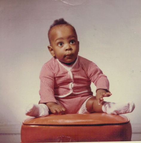 Stephen 1961 sitting up.jpg
